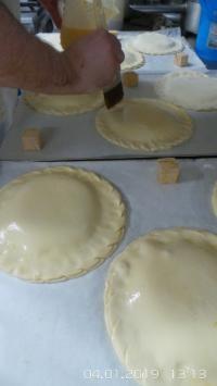 Découvrez nos galettes des rois faites MAISON sur place dans notre laboratoire de la boulangerie JR